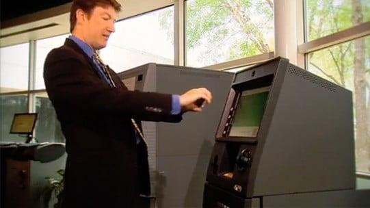 Cum vom scoate banii din bancomat fara card