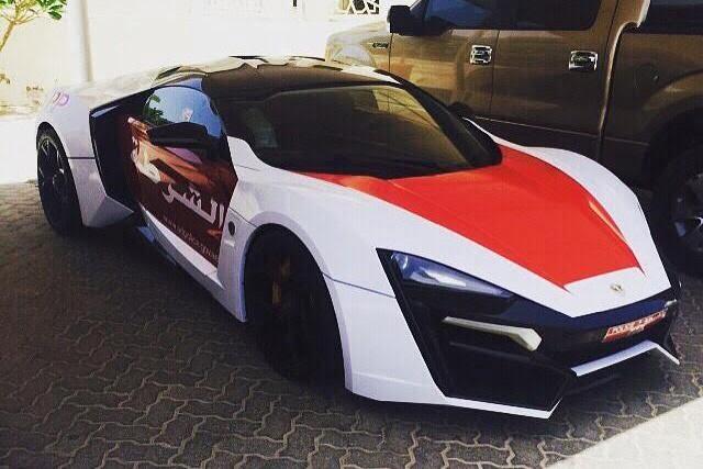 Cu ce se mai laudă Poliţia din Abu Dhabi: un Lykan Hypersport