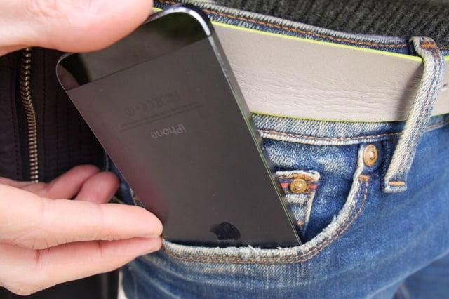 Telefoanele dauneaza fertilitatii masculine chiloti-radiatii-telefon
