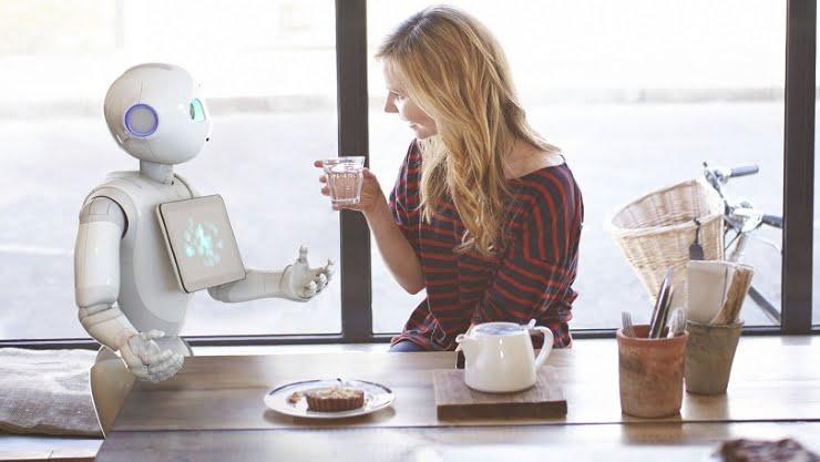 roboţi angajaţi-roboţi-Pepper