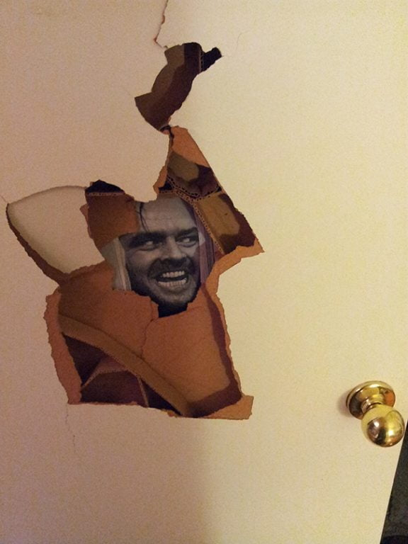 cum sa repari prin casa cum-sa-acoperi-o-usa-stricata
