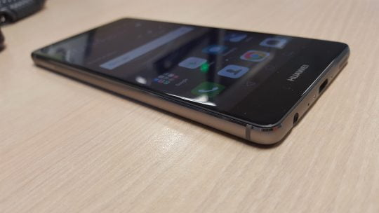 Unboxing Huawei P9. Primele impresii despre noul flagship chinezesc
