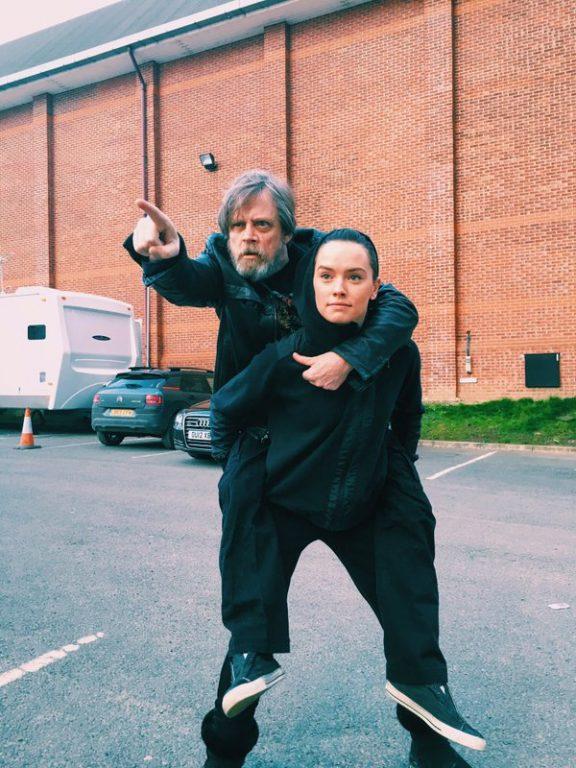 Luke Skywalker, în rol de Yoda pentru Rey! Noi amănunte despre Star Wars: Episode VIII star-wars-luke-si-rey