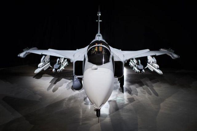 """Gripen E Cum-arată-noul-avion-de-luptă-Gripen-E-""""Smart-Fighter"""""""