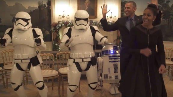 Sotii Obama danseaza cu Storm Troopers şi R2-D2