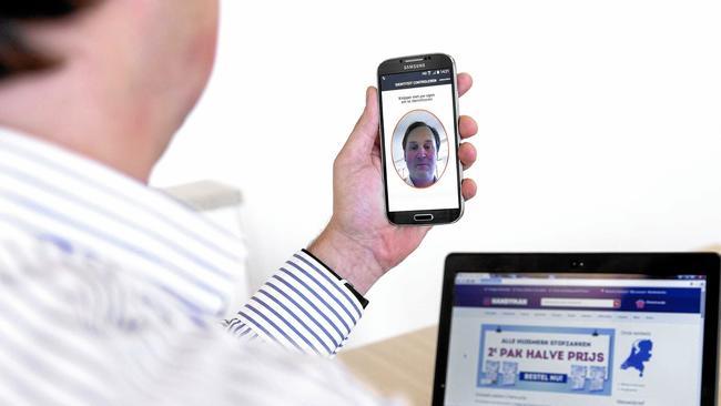 MasterCard Identity Check Mobile. Plăţile cu selfie, din 2017