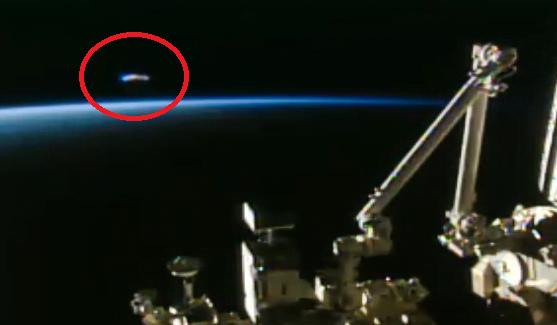 OZN surprins în apropierea Statiei Spatiale Internationale (ISS)