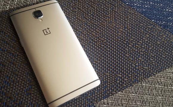 OnePlus 3T oneplus-3T-gadgetreport
