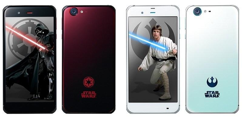 Sharp Dark Side şi Light Side. Telefoanele fanilor Star Wars