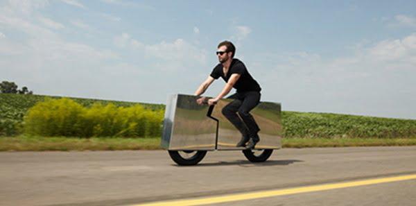 Motocicleta-invizibila-2