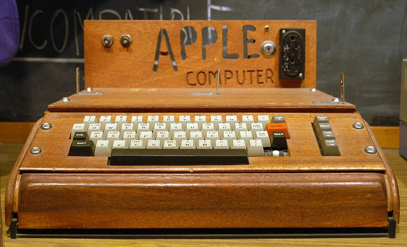 800px-Apple_I_Computer