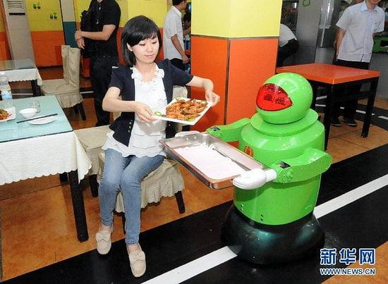roboţi roboti