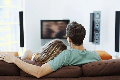 la ce distanta trebuie sa stam de televizor TV