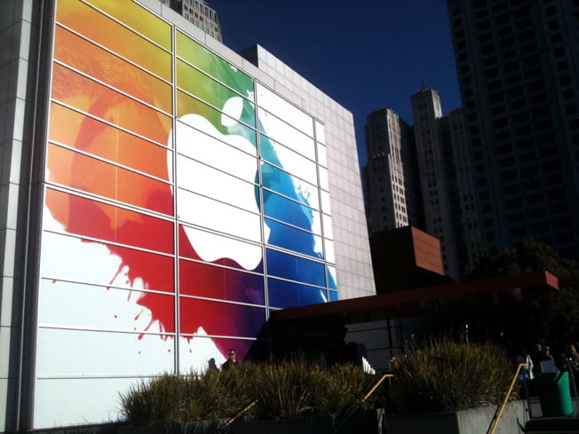 apple-sign-ipad-event