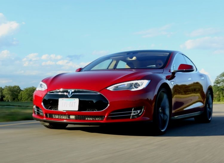 Tesla-Model-S-gadgetreport