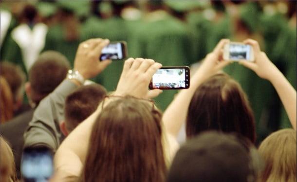 Cum sa filmezi cu telefonul ca un profesionist de televiziune