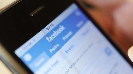 Cum să stai pe Facebook pe telefon şi să nu îţi consumi datele mobile Cum-să-stai-pe-Facebook-pe-telefon-şi-să-nu-îţi-consumi-datele-mobile