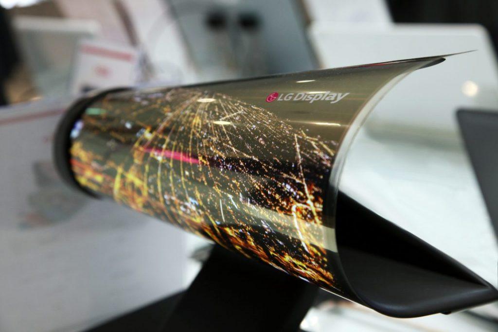 ecranul-LG-flexibil