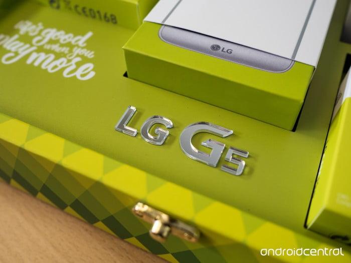LG G5 lg-g5-unboxing-2-e1459398127178