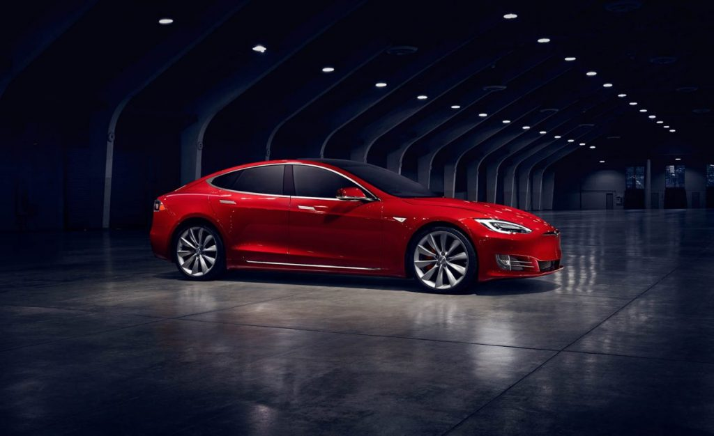 Tesla Model S, cel mai bine vândut sedan de lux