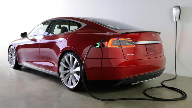 Producătorul de automobile electrice Tesla Motors trece pe profit