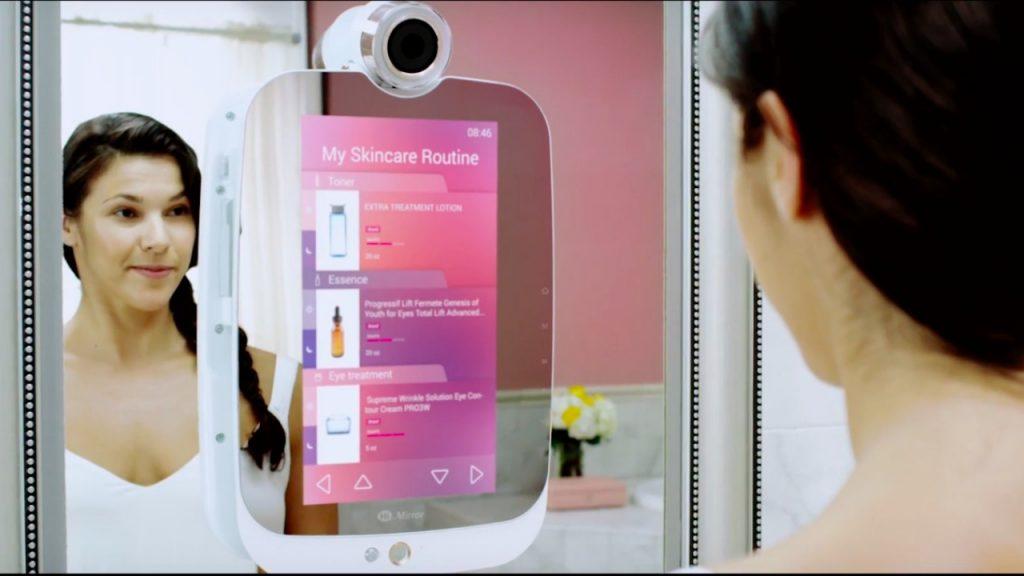 HiMirror, prima oglindă inteligentă din lume, costă 189 de dolari