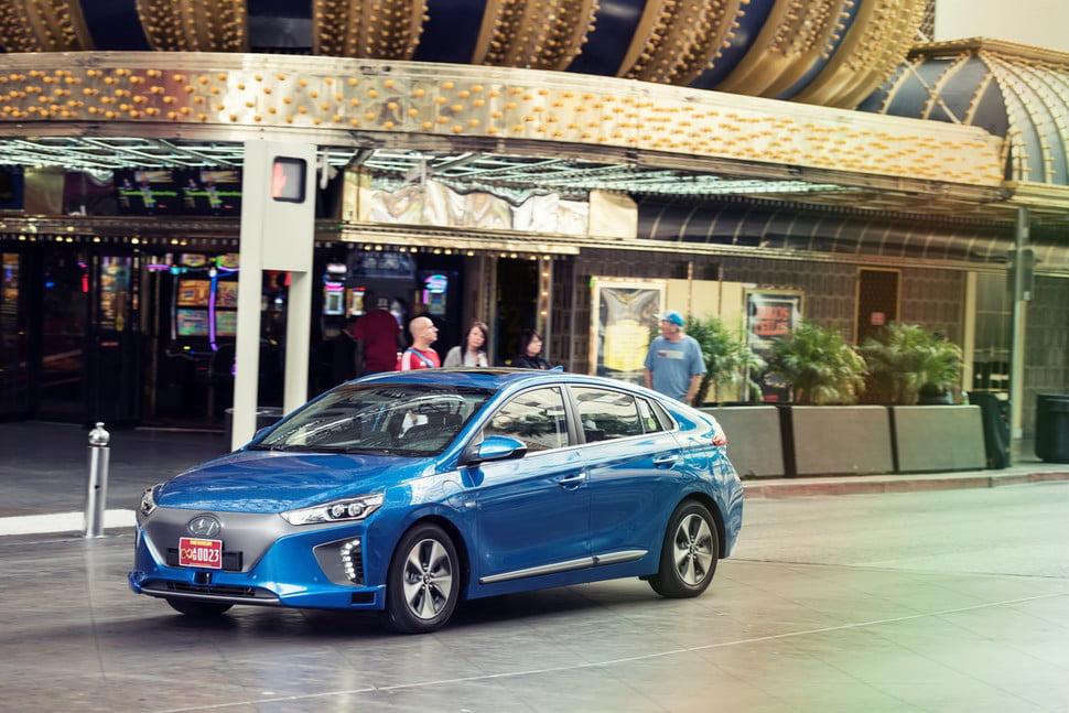 hyundai ioniq Hyundai-Ioniq-autonomous-gadgetreport