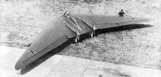 tehnologii secrete naziste Horten-Ho-229-gadgetreport