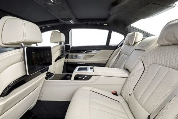 bmw m760li xdrive Modelul-BMW-M760Li-xDrive-interior