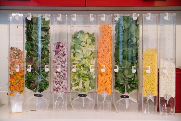 Salad Box va concura cu roboţii! Chowbotics lansează robotul de preparat salata
