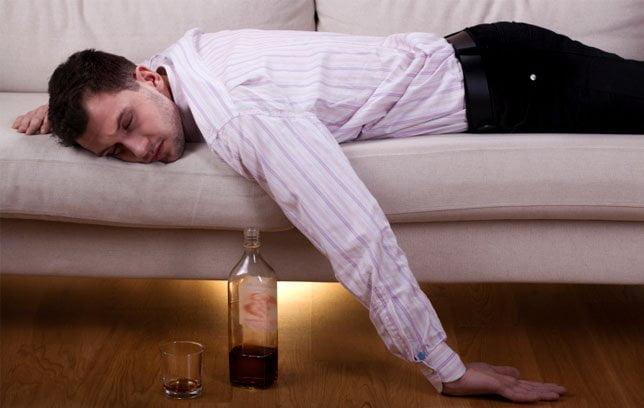 Cum să bei alcool fără să te îmbeţi. 10 sfaturi dovedite ştiinţific
