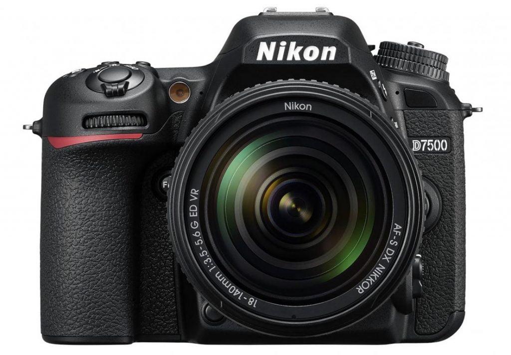 Noua cameră Nikon D7500 debutează la vară, pentru 1250 de dolari