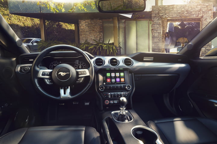 ford mustang 2018-ford-mustang-interior-3-720x480-c