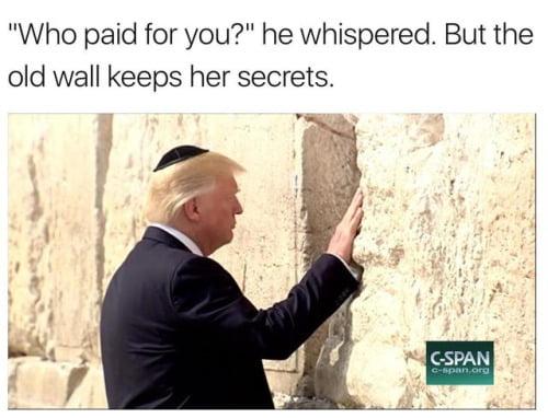 Trump, ţinta ironiilor. Cele mai bune meme-uri de pe internet