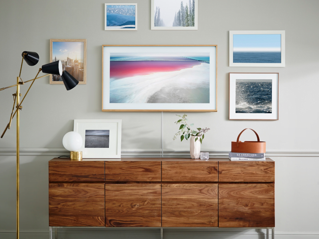samsung frame tv Samsung-Frame-TV-în-magazine