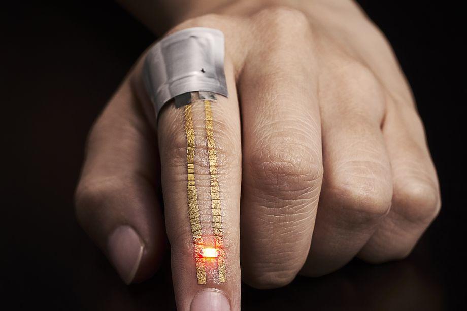 tatuajul inteligent Tatuajul-inteligent-va-include-senzori-care-monitorizează-sănătatea-2