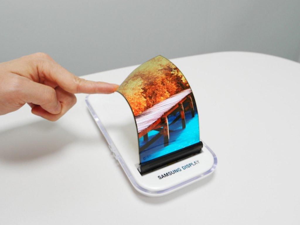 iphone revolution samsung-galaxy-x-ecran