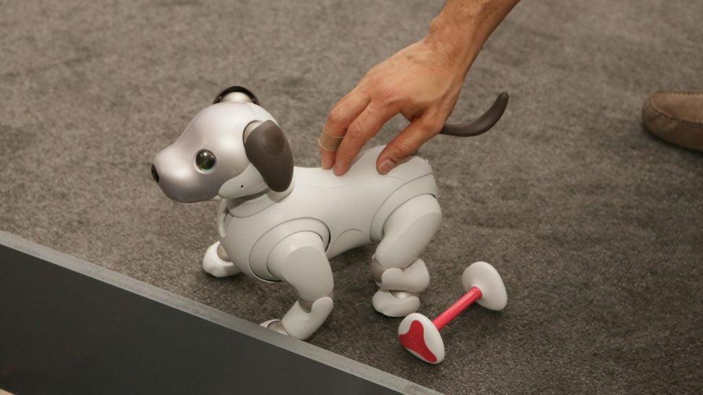 ces 2018 las vegas 027-sony-aibo-robot-dog