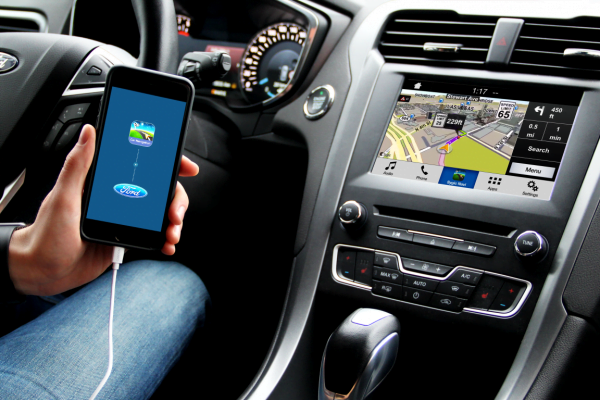 driving assistant 03_Ford_Car_connectivity-600x400