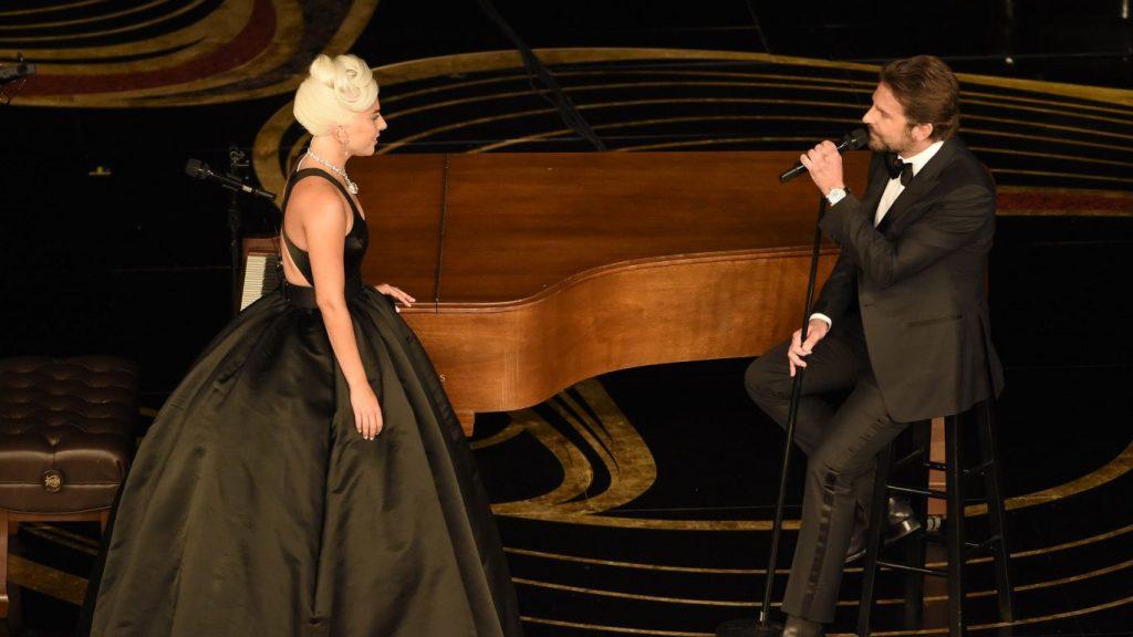 Momentele de la Oscar 2019. Lady Gaga & Bradley Cooper cântă live Shallow