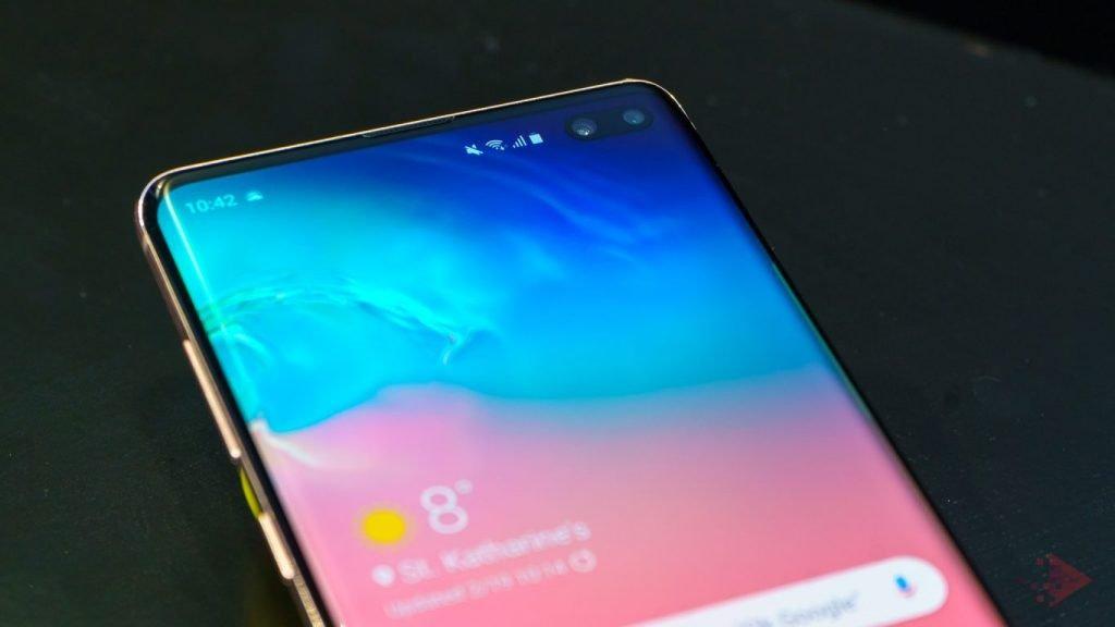 Samsung Galaxy S10. Un display spectaculos, hardware excelent și prețuri pe măsură