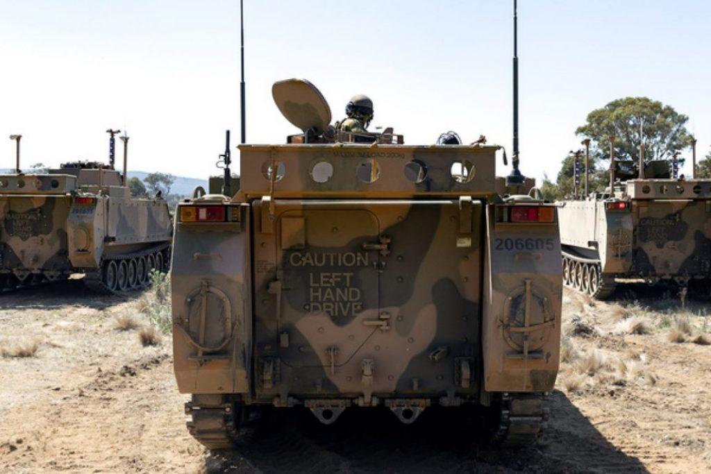 Australia testează primele vehicule de luptă autonome, M113