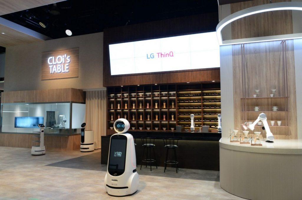 Inovațiile LG la CES 2020. Ușa inteligentă, aerul condiționat cu AI și bucătăria viitorului