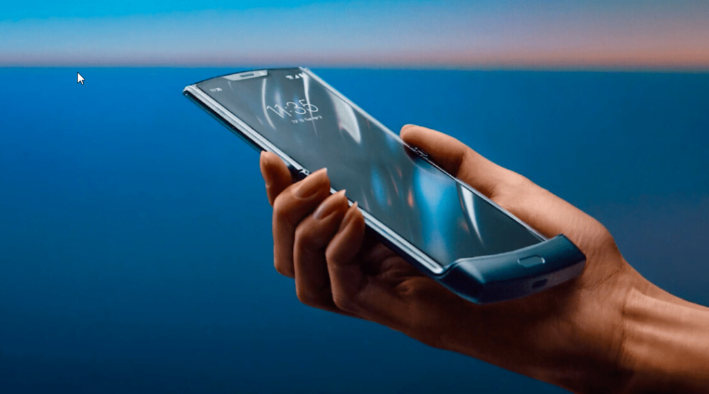 Motorola Razr. Cum să ai grijă de telefonul pliabil