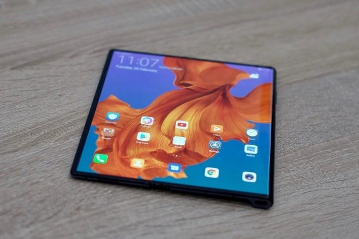 Huawei Mate Xs va fi mai ieftin față de versiunea din 2019
