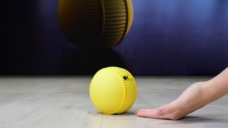 Samsung Ballie. Robotul spectaculos lansat la CES 2020