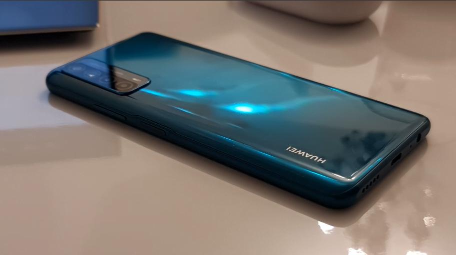 Huawei P Smart 2021, un telefon optim